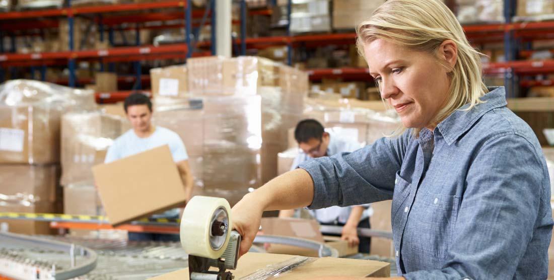 ¿Qué EPI necesito para un operario de un almacén logístico?